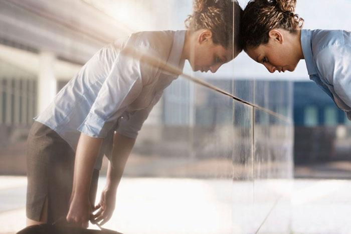 Действие Флуоксетина направлено на улучшение настроения и помогает выйти из депрессии