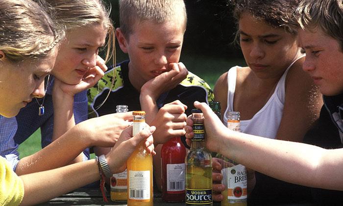 Общая статистика за рубежом и в России показывает серьёзность проблемы детского алкоголизма