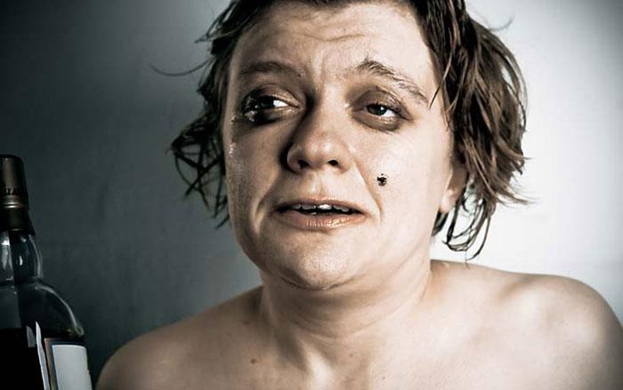 Женщины более тяжело переносят отравление алкоголем, чем мужчины
