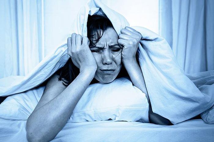 Отравление этанолом вызывает похмельный синдром с характерными симптомами