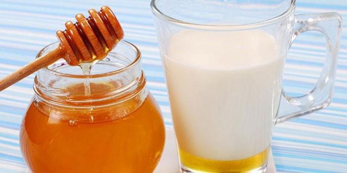 Мёд с молоком усиливает действие триптофана, который участвует в выведении алкоголя из организма