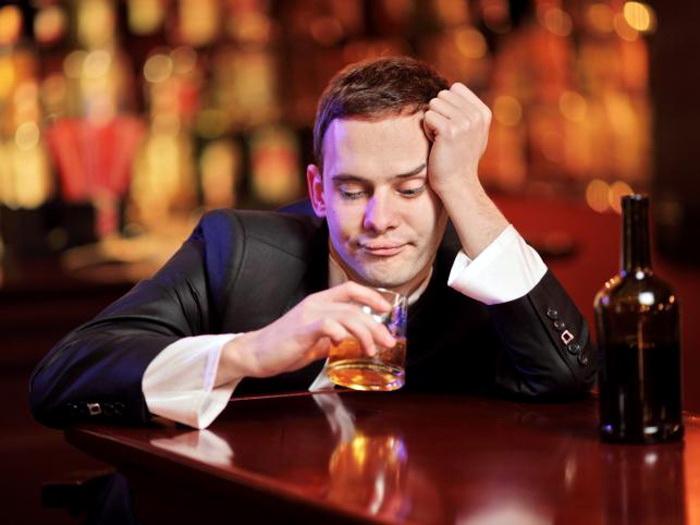 Икота после употребления алкоголя -признак отравления организма этанолом