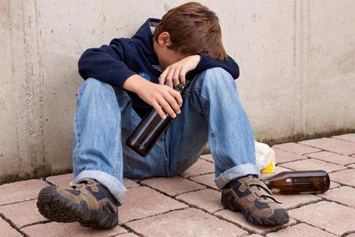 Изменения в поведении и физического состояния являются признаками алкоголизма