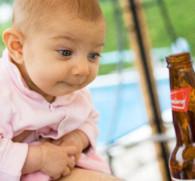 Со скольки лет можно пить пиво: законы в разных странах