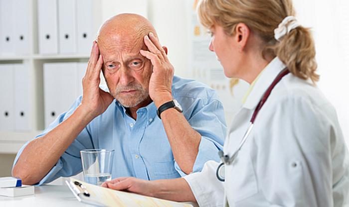 Специалисты рекомендуют отказаться от спиртного, чтобы избежать проблем с памятью
