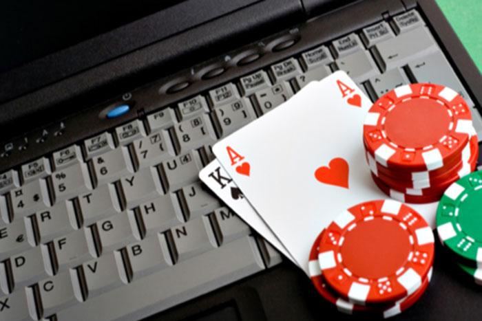 Онлайн-покер привлекает всё больше азартных людей иллюзией быстрого обогащения