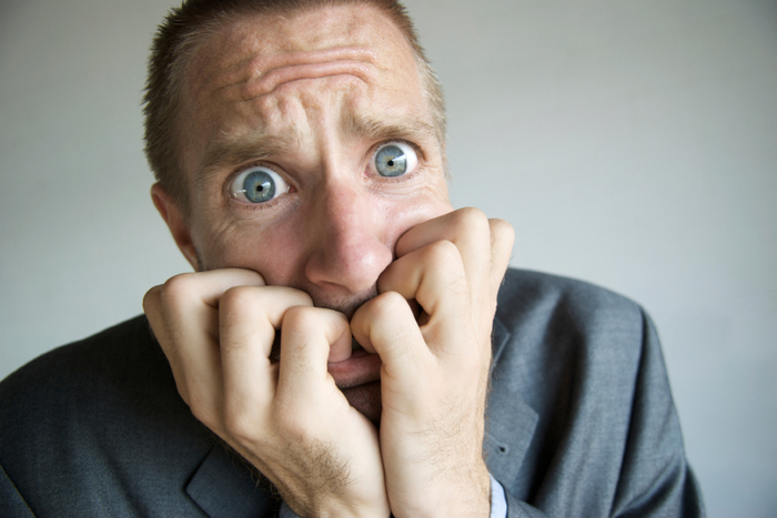 Ощущения страха и тревоги при похмелье возникают из-за токсического влияния этанола на нервную систему