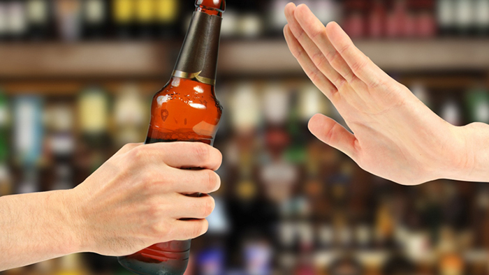 Врачи категорически не рекомендуют пить пиво при мочекаменных заболеваниях