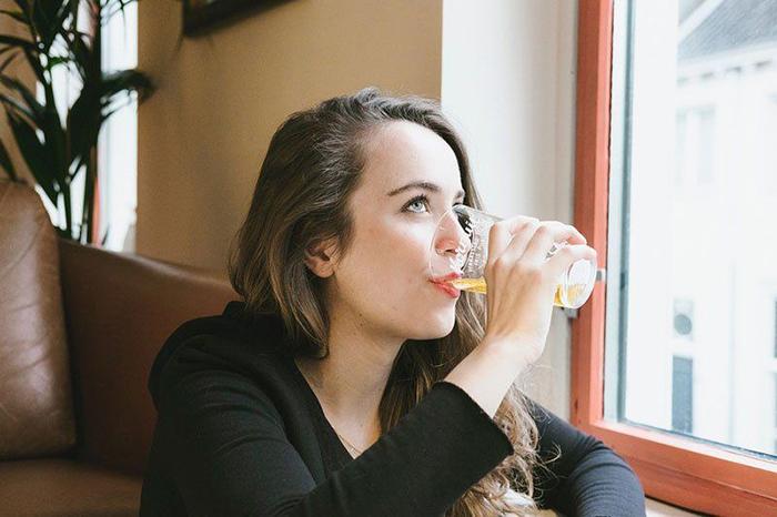 Женский алкоголизм выведен в отдельное заболевание в виду специфических особенностей организма