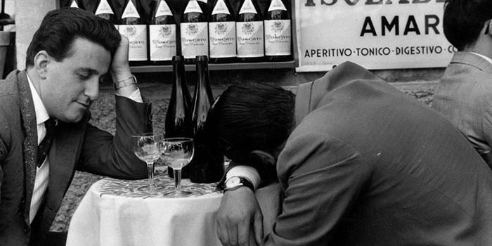 Адреналиновая тоска проявляется при похмелье после употребления большого количества алкоголя