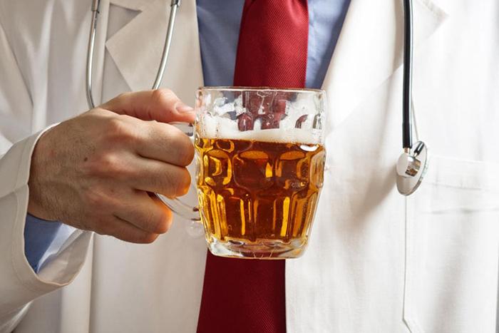 При проявлении любых аллергических реакций на пиво рекомендуется обратиться к врачу