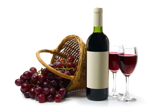 Полифенолы в составе вина, употребляемого в меру, благоприятно влияют на организм