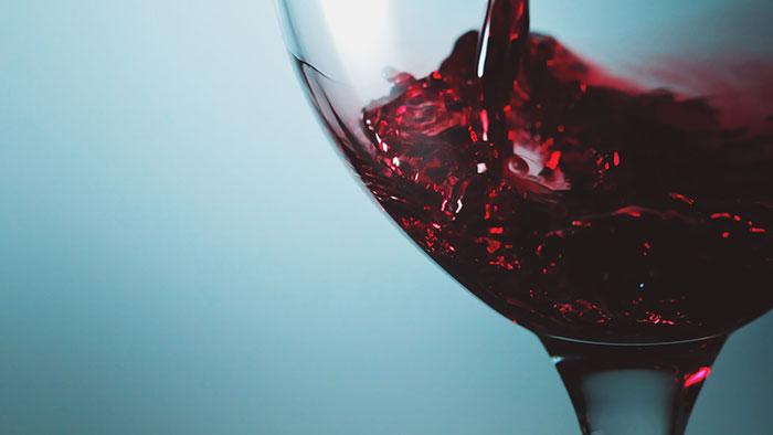 Допускается употребить вино только при условии полного восстановления после удаления аппендицита