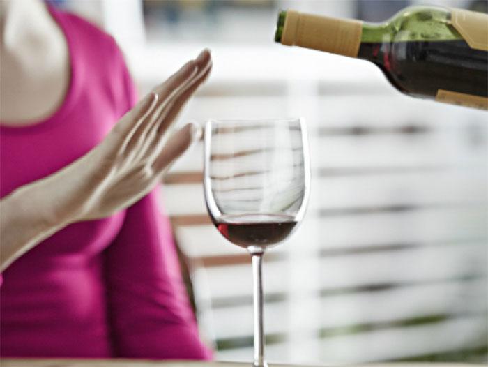 Врачи рекомендуют исключить алкоголь на время лечения онкологических заболеваний