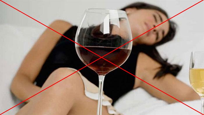 Врачи не рекомендуют употреблять алкоголь при лечении препаратом Тержинан