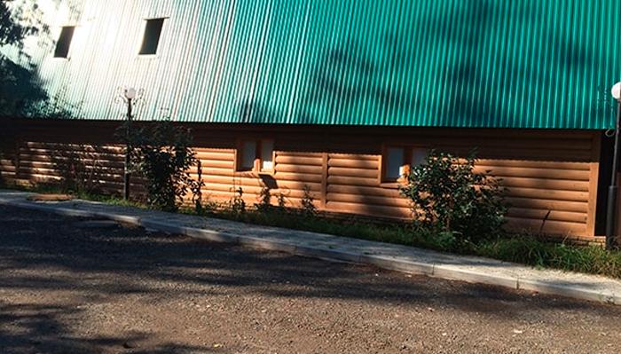 Двор реабилитационного центра «Респект» (Набережные Челны)