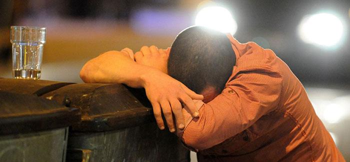 Совмещение Ибуклина с алкоголем приводит к усилению проявления побочных реакций