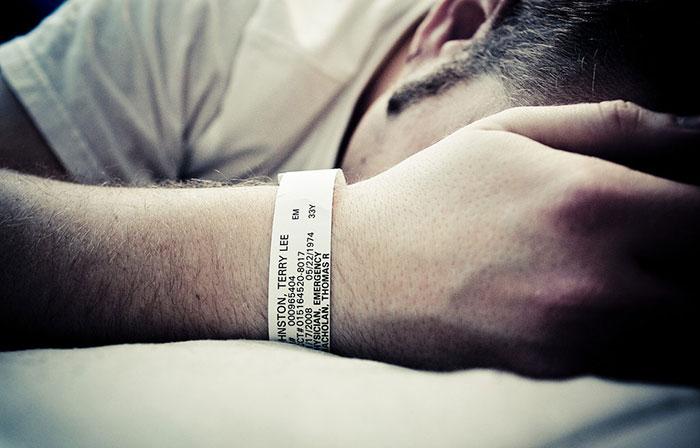 Энурез при алкогольном опьянении - повод обращения к специалистам за помощью