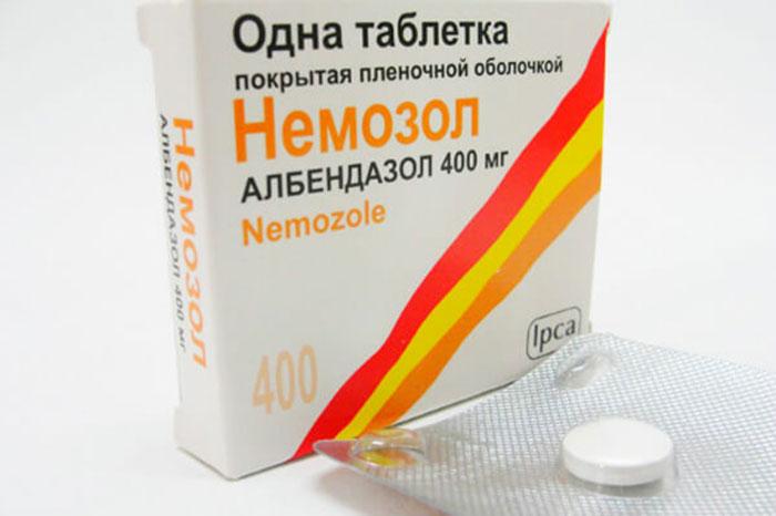 Немозол является антигельминтным препаратом с противопротозойными свойствами
