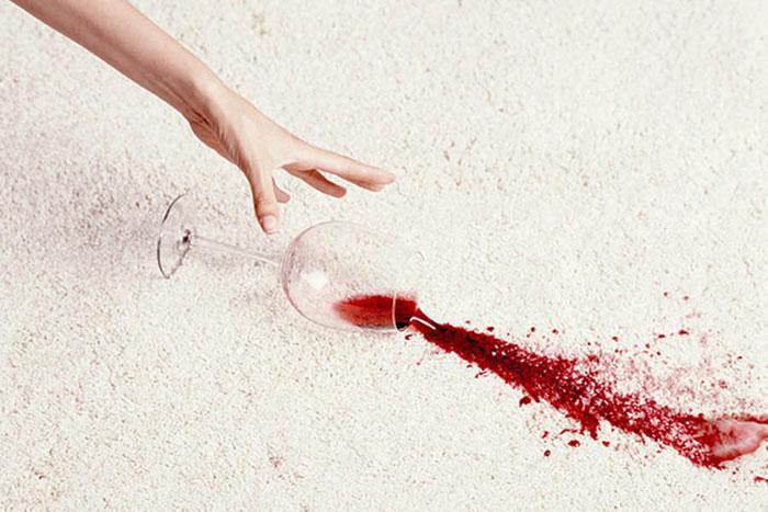 Врачи рекомендуют отказаться от совместного употребления Верошпирона со спиртным