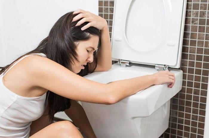 Совмещение Клостилбегита с алкоголем может вызвать неприятные побочные реакции