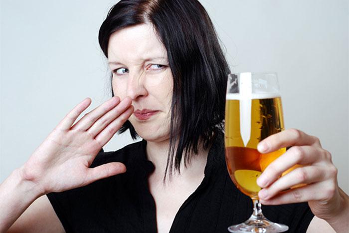Действующее вещество препарата Радотер вызывает реакцию отвращения к спиртным напиткам