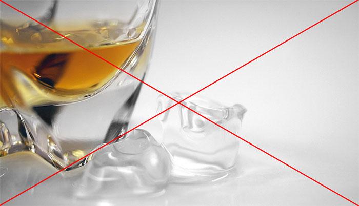 Врачи категорически отрицают совместимость Лидокаина с алкоголем