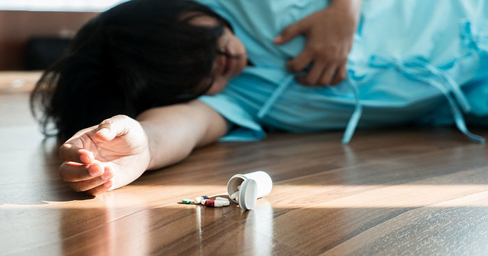 Совмещение Ринзы со спиртным может привести к проявлению тяжёлых побочных реакций