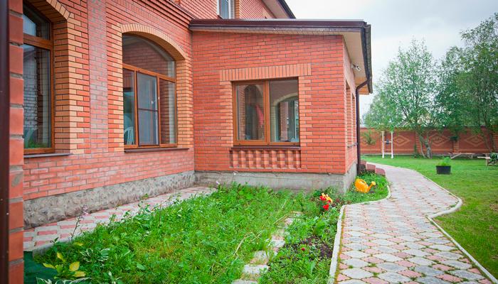 Территория наркологической клиники «Narkohelp-spb» (Санкт-Петербург)