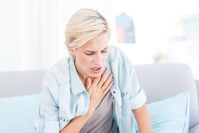 Совмещение Лидокаина со спиртным может вызвать тяжёлые побочные эффекты