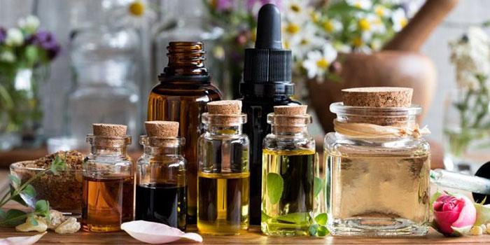 Эфирные масла являются ароматическими биологически активными компонентами растений