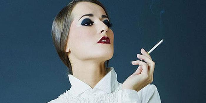 Рзличают два вида употребления сигаретной продукции: затягивая дым в легкие либо в полость рта