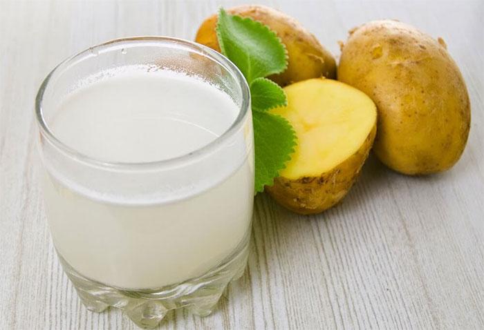 Картофельный сок - одно из народных средств при рвоте после алкоголя