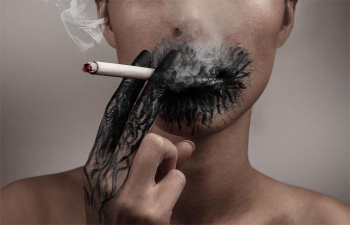 Курение крайне негативно влияет на весь организм женщины
