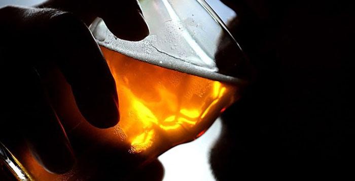 Регулярное употребление пива может привести к развитию алкоголизма
