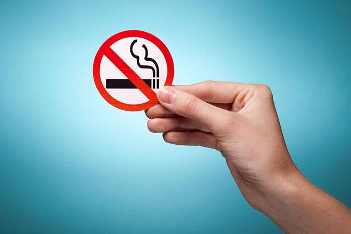 При использовании противозачаточных средств врачи рекомендуют отказаться от курения сигарет