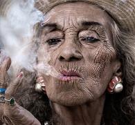 Курение не в затяг: так ли это безвредно как говорят?