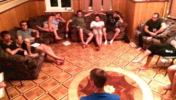 Групповые занятия постояльцев в реабилитационном центре «Единство» (Нижний Новгород)