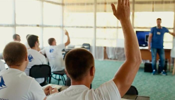Групповые занятия постояльцев в реабилитационном центре «Корабли» (Нижний Новгород)