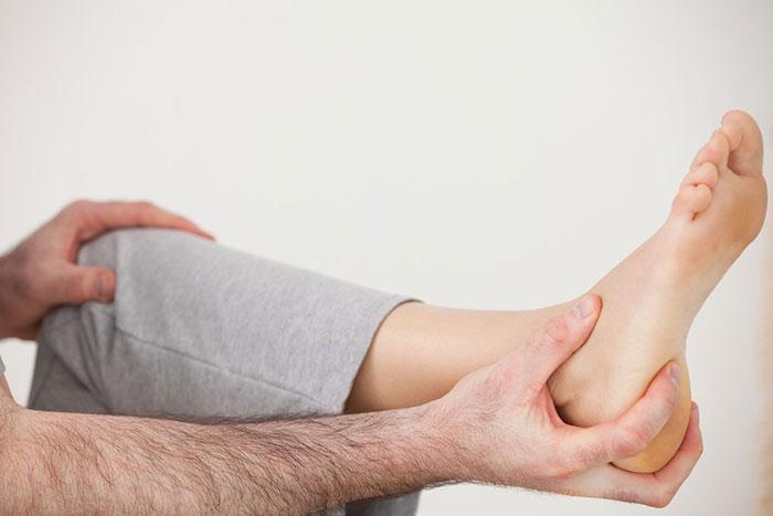 Резкий отказ от курения может спровоцировать болевые ощущения в ногах