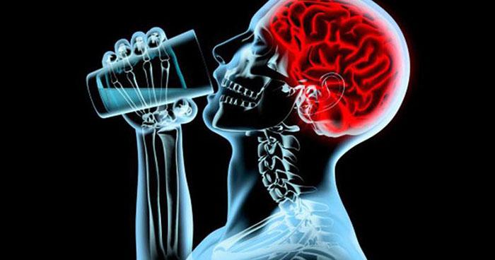 Систематическое употребление спиртных напитков угнетает центральную нервную систему