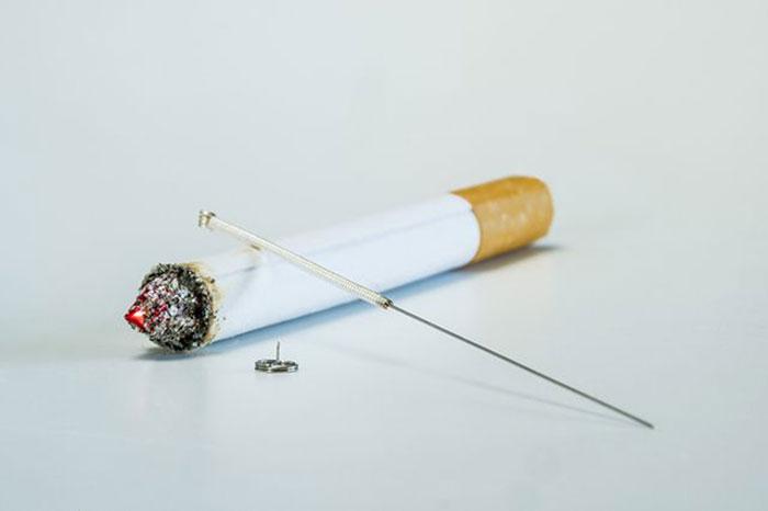 Акупунктура при лечении табачной зависимости является более безопасной, чем приём медикаментов