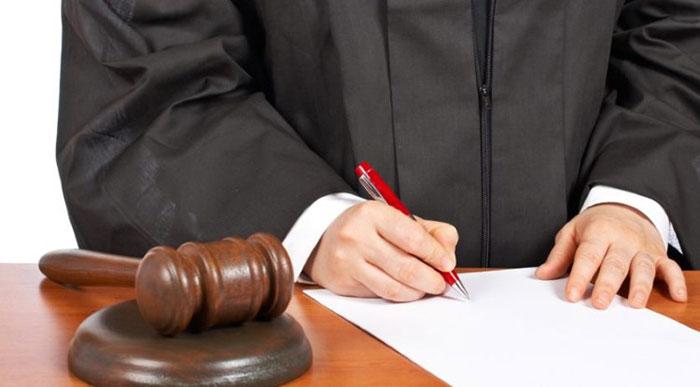 Инициализация процесса признания алкоголика недееспособным начинается с искового заявления в суд