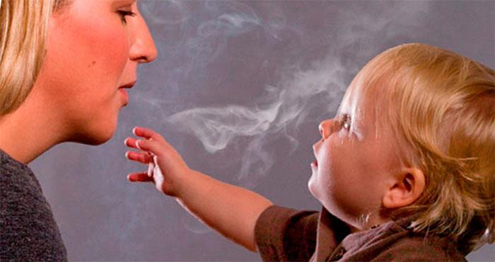 Специалисты утверждают, что пассивное курение не менее вредно, чем активное