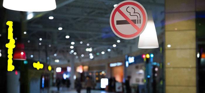 Во многих странах мира практикуется запрет на курение в общественных местах