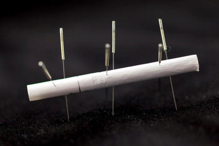 Иглоукалывание помогает справиться с никотиновой зависимостью на физиологическом уровне