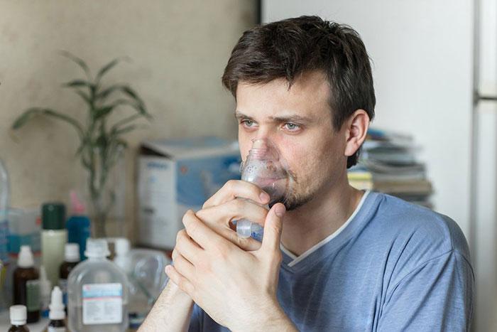 Восстановить голос после курения помогут ингаляции с эфирными маслами