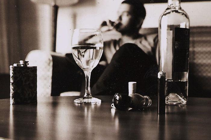 Согласно некоторым исследованиям алкоголь в умеренных количествах не наносит особого вреда организму
