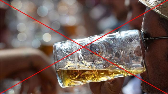 Врачи категорически не рекомендуют употреблять алкоголь при ветрянке