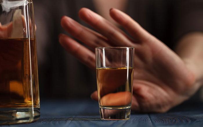 Специалисты категорически рекомендуют не употреблять алкоголь перед МРТ